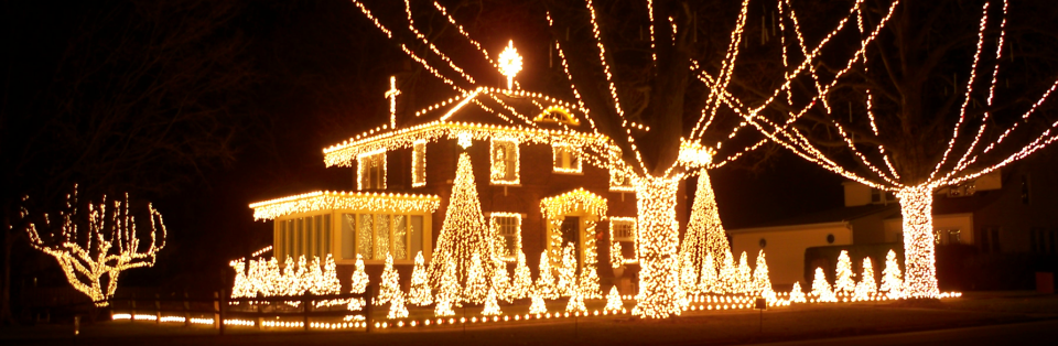 over 140000 christmas lights synchronized to music on 899 fm
